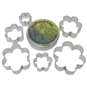 R & M Scalloped Shapes 6 Piece Cookie Cutter Set, Tin
