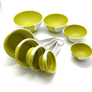 Chef ' n SleekStorのセット4ピンチand Pour Prep Bowlsと4Collapsible Measuring Cups in Wasabi andホワイト