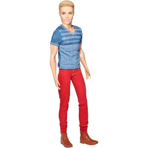 バービー ケンドール レッドジーンズ (Barbie Fashionistas Ken Doll, Red Jeans and Blue Tee/CFG19/MATTEL)