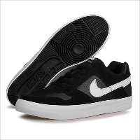 (ナイキ)NIKE SB 942237 DELTA FORCE VULC スニーカー メンズ 29.0cm(US11) 010(BLACK/WHITE)