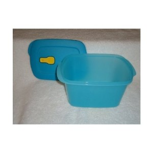 Tupperware Crystalwave長方形9.5 Cup Ventedボウルin Aqua
