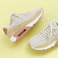 NIKE WMNS AIR MAX 90(ナイキ ウィメンズ エア マックス 90)(LIGHT BONE/MUSHROOM-PARTICLE PINK-WHITE)【スニーカー】17HO-I