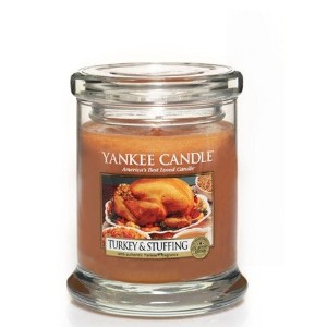 1x Turkey & Stuffing FootedタンブラーCandle–Yankee Candle