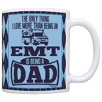 DadギフトのみThing Love More Than Being EMT is a Dadギフトコーヒーマグティーカップ 11オンス