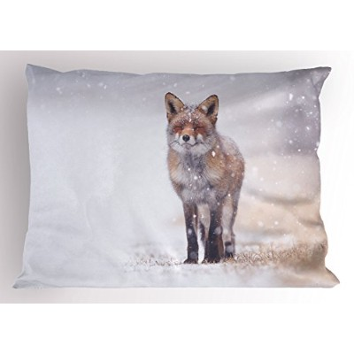 Fox Pillow Sham by Ambesonne、Red Fox In農村環境フィールドCovered with Snow Stormy Freezing Weatherイメージ...