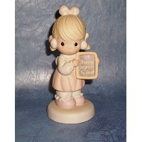 Precious Moments Sharing Begins in the Heart Porcelain Figurine by Precious Moments [並行輸入品]