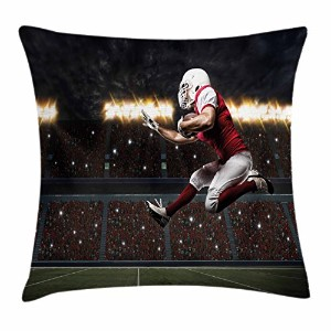 Boy 's Roomスロー枕クッションカバーby lunarable、Football Player in a red uniform Running On A Stadium Profession...