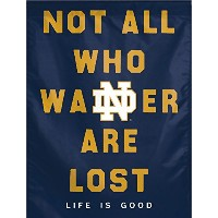 "Notre Dame Fighting Irish Life Is Good NCAA垂直フラグ28 "" x 40 """