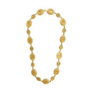 Chanel Vintage embossed medallions necklace - メタリック