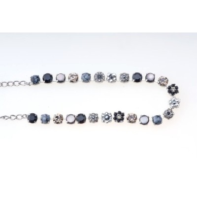 ANYAスライドネックレスwithブラックスワロフスキーCrystals and Natural Stones