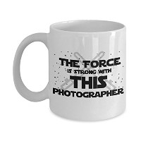 "sthstore "" The Force Is Strong With This photographer "" Funny For Photographer映画とシリーズファンClub..."