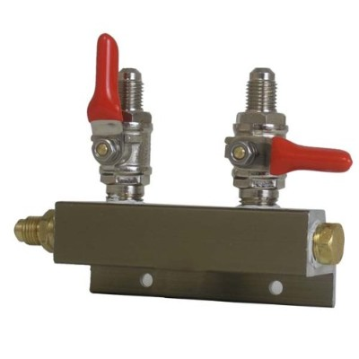 2 Way CO2 Distributor, 1/4 MFL with Shutoff by Midwest Homebrewing and Winemaking Supplies