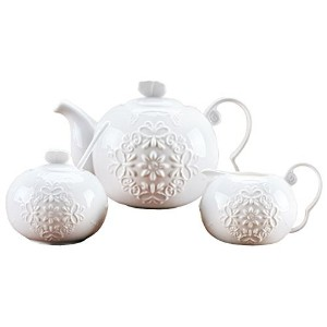 JusalphaホワイトFine China Butterfly Enbossed 3Pieceティーポットとクリーマーセット