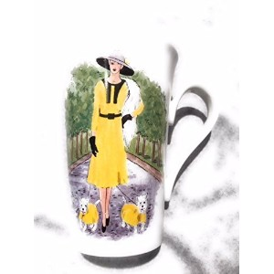 Roy Kirkham BoulevardシックLady with Dogs inイエローFine Bone China Mug