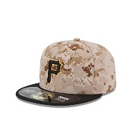 New Era MLB PITTSBURGH PIRATESメンズAuthentic Collection On Field 59 FIFTY Fittedキャップ、8 3 / 8、カモ