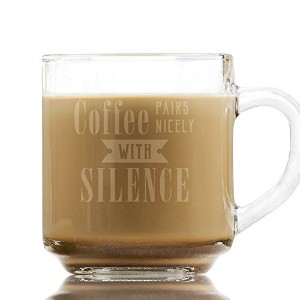 Coffee Pairs Nicely With Silence のフレーズが刻印されたガラス製コーヒーマグ 10オンスガラス コーヒーカップ アミューズギフト 同僚 友人への誕生日ギフトに