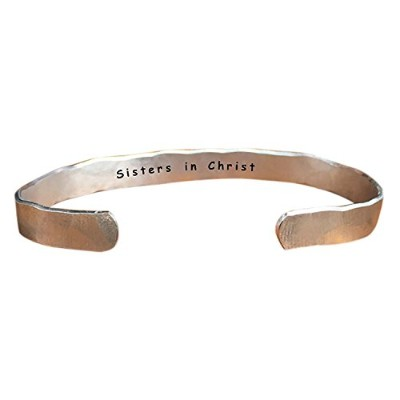 """Sisters in Christ–Inside秘密メッセージHand Stamped Cuff StackingブレスレットPersonalized 1/ 4"""" Adjustabl"""