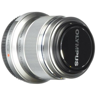 Olympus M. Zuiko デジタル ED 45mm f1.8 (Silver) レンズ for Olympus and Panasonic Micro 4/3 Cameras (海外取寄せ品)