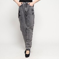 【SALE 60%OFF】ゲス GUESS EMBROIDERY MOM-FIT DENIM PANT (FREE ROSES)