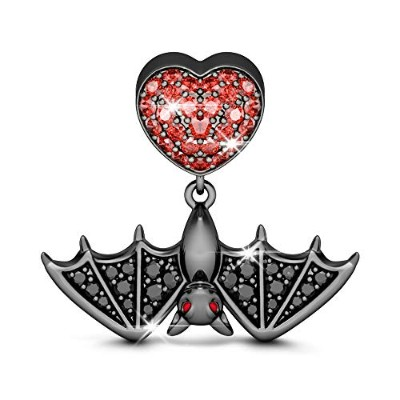 """GNOCE""""Flying Bat Wonder of Nature Craft Style Lights Up with Twinkle Black and Garnet 925スターリングシルバー"""
