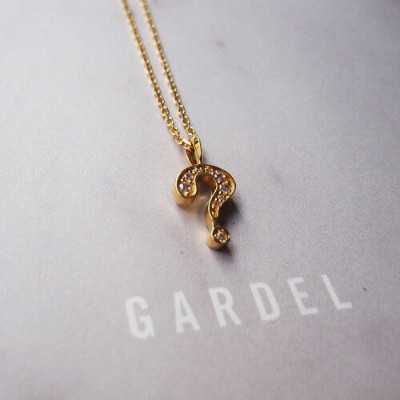 GARDEL NATURAL QUESTION NECKLACE
