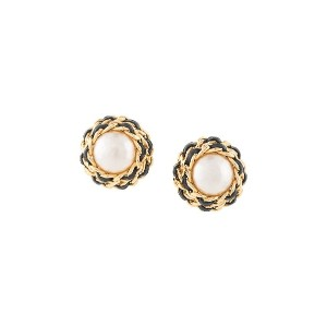 Chanel Pre-Owned CC Logos Imitation Pearl Button Motif Earrings