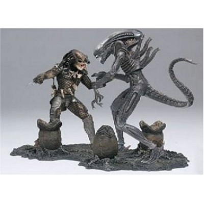 McFarlane マクファーレン Toys Movie Maniacs Series 5 Deluxe Boxed Set Alien & Predator プレデター
