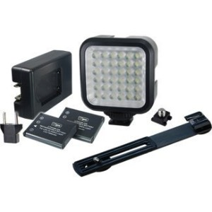 Vidpro LED デジタル Photo & ビデオ Camcorder Light with Batteries, Charger and Bracket 「汎用品」(海外取寄せ品)