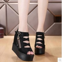 Spring and summer hollow bottom with a wedge to increase fish head sandals