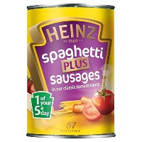 Heinz Spaghetti with Sausages in Tomato Sauce (400g) トマトソースでソーセージとハインツスパゲティ( 400グラム)