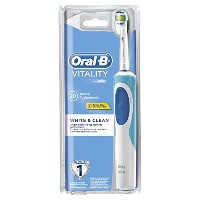 Braun Oral-B Vitality ProWhite Rechargeable Electric Toothbrush with Timer by Braun [並行輸入品]