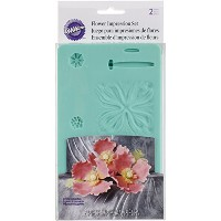 Wilton 409-2530 2-Piece Flower Impression Mold, Green by Wilton Enterprises