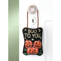 """"""" Boo to You """" Needlepointドアハンガー"""