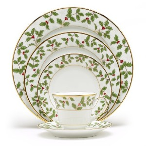Noritake Holly & Berry Gold 5-Piece Place Setting by Noritake