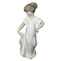 """Nao by Lladro Collectible Porcelain Figurine: HOW PRETTY! - 8 3/4"""" tall - Young Girl by Lladro ..."""