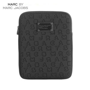 【15%OFFセール 3/3 19:00~3/8 1:59】 マークジェイコブス MARCJACOBS 正規品 タブレットケース Dreamy Logo Neoprene Tablet Case...