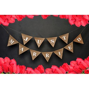 Just Married結婚車burlap-just sign-wedding banner-champagne婚約パーティー飾りwith赤Hearts onの両方ends-wedding婚約Bunt...
