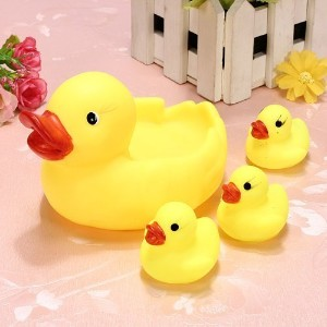 Rainbowkids a set of 4 Pcs new arrival child Baby Bath Toys ,Water Floating Squeaky Yellow Rubber...