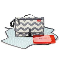 SkipHop Pronto Changing station, chevron by Skip Hop