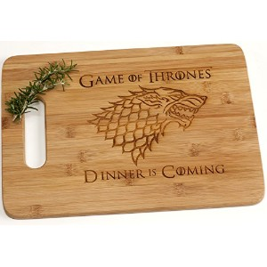 Game of Thrones夕食is coming刻印竹木製カッティングボードwithハンドル面白いギフト