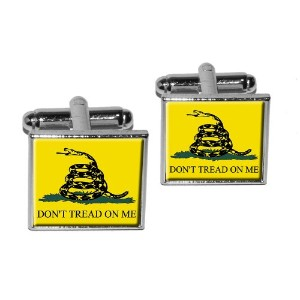 ガズデン旗ないTread On Me Square Cufflink Set – シルバー