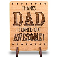 I TurnedアウトAwesome Personalized Alder木製父の日Idea Greeting Card withスタンドUniqueギフトfor Dad Daddyメンズ父おじいちゃ...