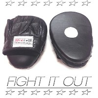FIGHT IT OUT SPORTS FR BLACK PUNCH MITTS
