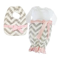 Caught Ya Lookin' Baby Bib Gift Set, Grey and White Chevron with Hot Pink Ribbon by Caught Ya...