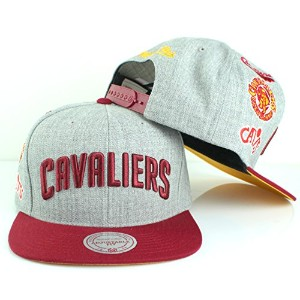 Mitchell & Ness NBAチームロゴ履歴フラットつばスナップバックキャップ(調節可能、Cleveland Cavaliers ,グレー)