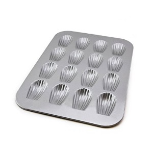 USAパンBakeware Madeleine Pan with 16ウェルズ、ワープResistant Nonstick Baking Pan , Made in the USAからアルミメッキスチ...