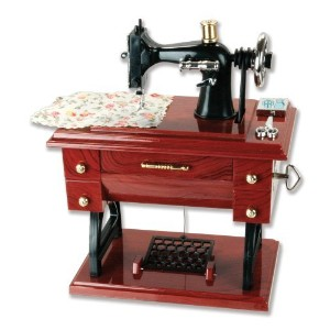 Musical Sewing Machine音楽ボックスヴィンテージLook by Banberry Designs