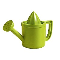 lemoniere by Peleg Design :元Watering can-shapedジューサー、グリーンプラスチックSqueezer with Pourer forレモンまたはCitrus...