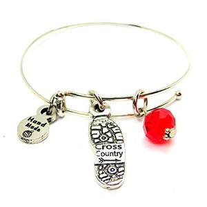 """ChubbyChicoCharms Cross Country Shoe Print in CrimsonレッドExpandable Wire Bangle、2.5"""""""