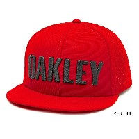OAKLEY PERF HAT 911702-465 RED LINE